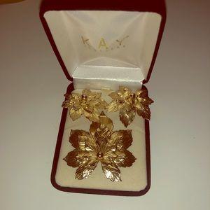 Vintage Earring & Broach. Gold leaves. Screw back.